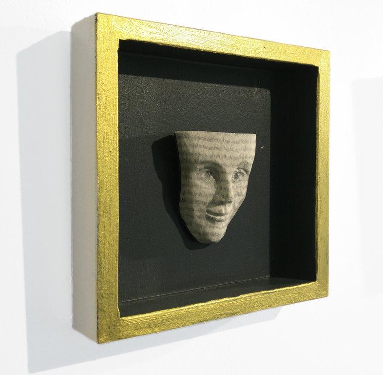 Skulpturen hängend - Schmuck und Objekte aus papierenen Erinnerungen