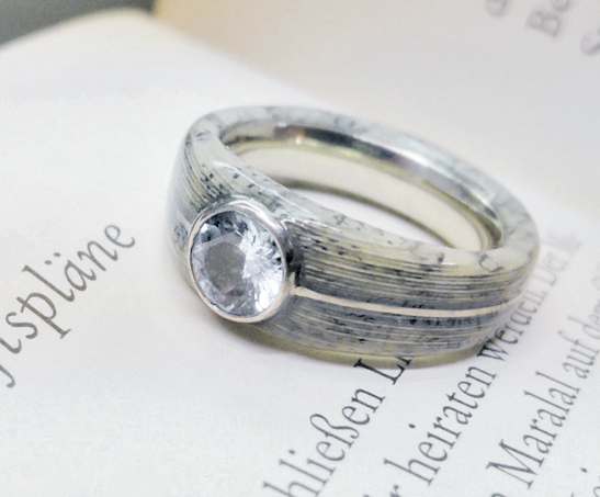 Bespoke paper layer solitair ring / engagement ring - by