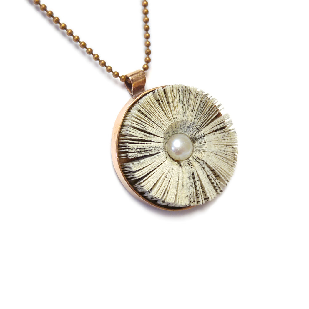 Literary blossom pendant in copper setting 25 mm with  pearl